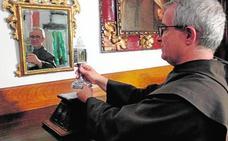 Las reliquias de San Juan de la Cruz viajan ya desde Úbeda para la exposición 'Místicos'