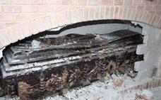 Exhuman los restos mortales de Don Tomás Hervás para descartar la presencia de la Cruz de Caravaca en el ataúd