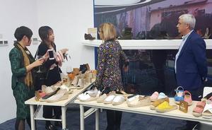 El calzado caravaqueño llega a China
