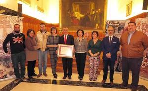 Pedro Guerrero fue presentado como pregonero de las fiestas de la Vera Cruz en el Salón de Plenos