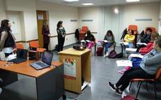 Juventud forma a 16 jóvenes en las ramas de hostelería y turismo con el programa «Actívate»