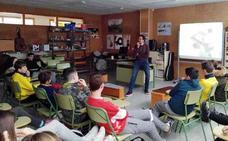 Los centros de Secundaria participan en talleres para prevenir la adicción al juego con apuesta