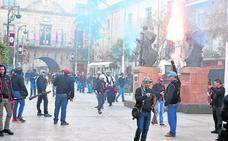 Las kábilas llenan las calles de pólvora, música y fiesta