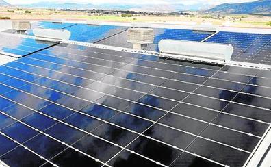 La firma Postres Reina pone en marcha una planta fotovoltaica para autoconsumo en Caravaca