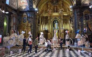 La iglesia de San José alberga hasta el 31 de mayo la exposición de mantos de los Caballos del Vino