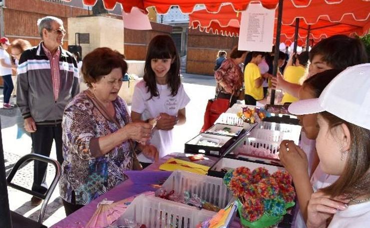 Cooperativas del colegio Cervantes en el mercado 1