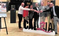 La Semana del Yute celebrada en Caravaca despierta el interés de siete países por el calzado murciano