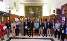 Los alcaldes pedáneos se presentan en un acto público celebrado en el Salón de Plenos