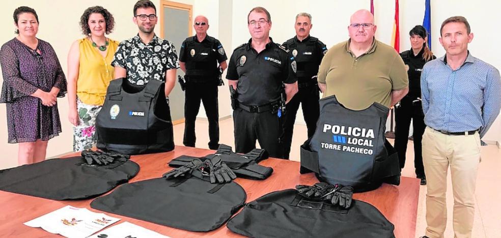 La Policía Local cuenta con 60 nuevos chalecos