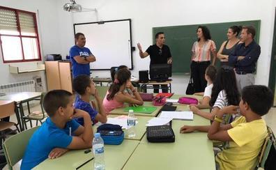 Reclaman la ampliación del colegio de Los Olmos y del IES Gerardo Molina