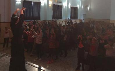 El duende flamenco entra en las aulas del Hernández Ardieta