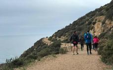 Más de 500 deportistas participaron en las rutas de senderismo solidario