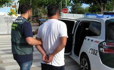 Detenido un vecino de Torre Pacheco por sustraer una tarjeta de crédito y utilizarla para comprar