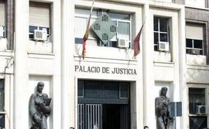 Más de tres años y medio de prisión para dos acusados de apuñalar a un hombre en Torre Pacheco