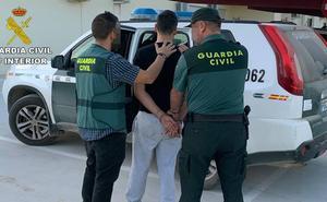 Detenidos un padre y su hijo por robar en casas de Torre Pacheco y comercializar con lo sustraído