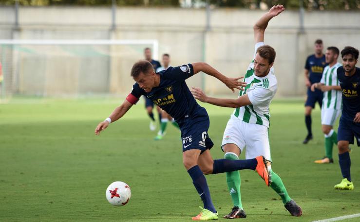 Las imágenes del Betis Deportivo - UCAM CF