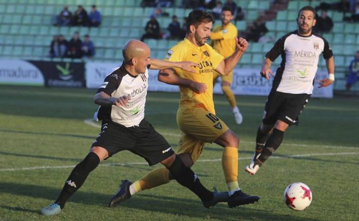 La mala suerte se alía con el UCAM en el empate ante el Mérida (1-1)