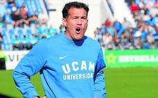 Stoichkov amenaza el estreno de Luis Casas en el UCAM