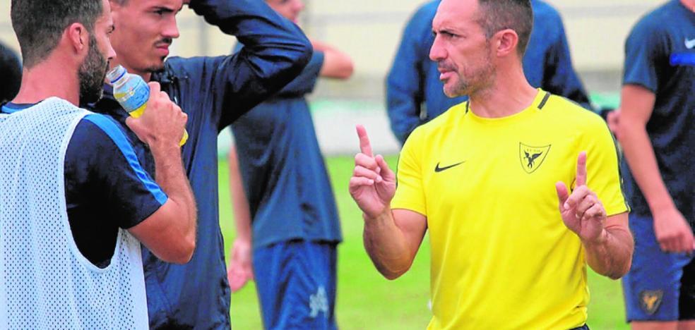 El Badajoz examina al líder