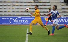 El UCAM tropieza ante el San Fernando y el árbitro