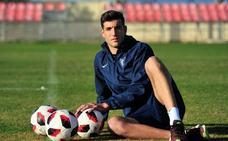 Javier Fernández: «El Efesé es el equipo de mi tierra y en un futuro no me cierro las puertas a nada»