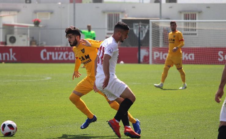El UCAM CF pierde en Sevilla