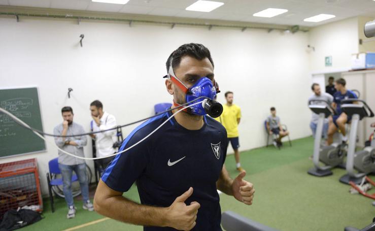 Los jugadoresdel UCAM CF realizan las pruebas médicas y físicas