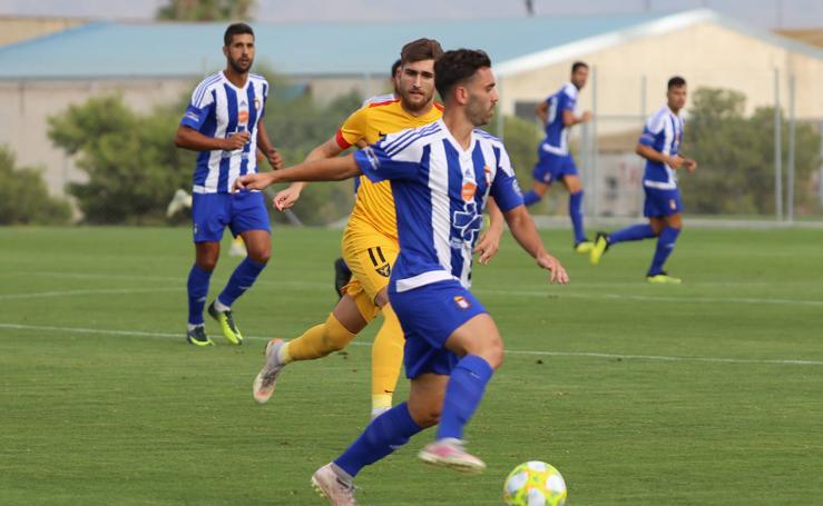 Aketxe ya marca para el UCAM, que se lleva el trofeo Manny Pelegrín (0-3)