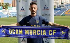 Javi Moreno: «Soy un jugador rápido, habilidoso y con buen uno contra uno»