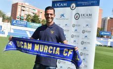 Vicente Romero: «Puedo jugar de central o centrocampista. Estoy a disposición del entrenador»