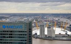 Acusan a Barclays y a cuatro personas de fraude por vínculos con Catar
