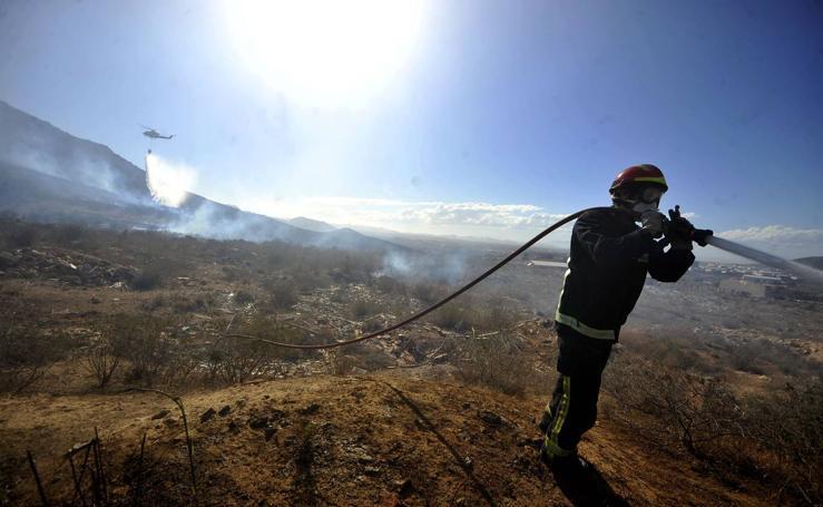 Miedo a la nube tóxica en el Barranco de Orfeo