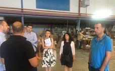 Una delegación de compradores visitan empresas de mueble en Yecla