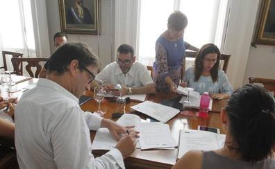 El gerente de la Oficina de Congresos de Cartagena pone su cargo a disposición de la alcaldesa