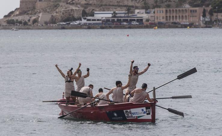 Roma triunfa en una regata con un remo roto por bando