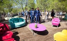 Casi 900 personas asisten a la primera jornada de la Feria del Mueble del Yecla