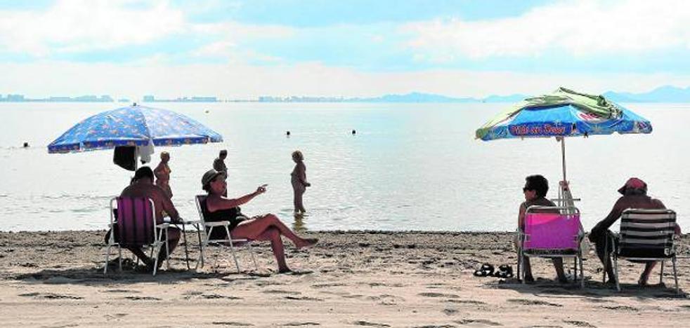 Los hoteleros reclaman nuevos alicientes turísticos para reflotar el Mar Menor