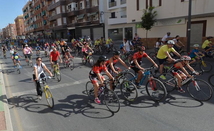 Los Juegos del Guadalentín se despiden con una marcha de 1.600 ciclistas