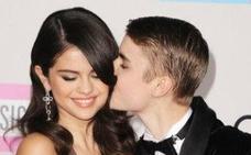 Selena Gomez y Justin Bieber, juntos y en bici por Los Angeles