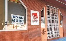 Símbolos nazis en la sede de Izquierda Unida-Los Verdes en Murcia