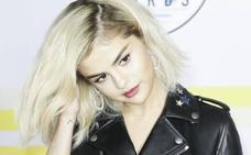 Selena Gomez se vuelve rubia