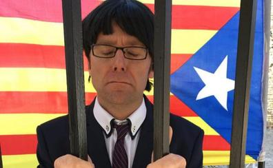 Un doble de Carles Puigdemont se entrega a la Policía en Tomelloso