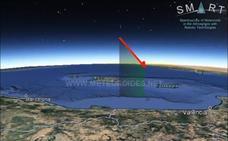 Una gran bola de fuego sobrevuela el Mar Mediterráneo