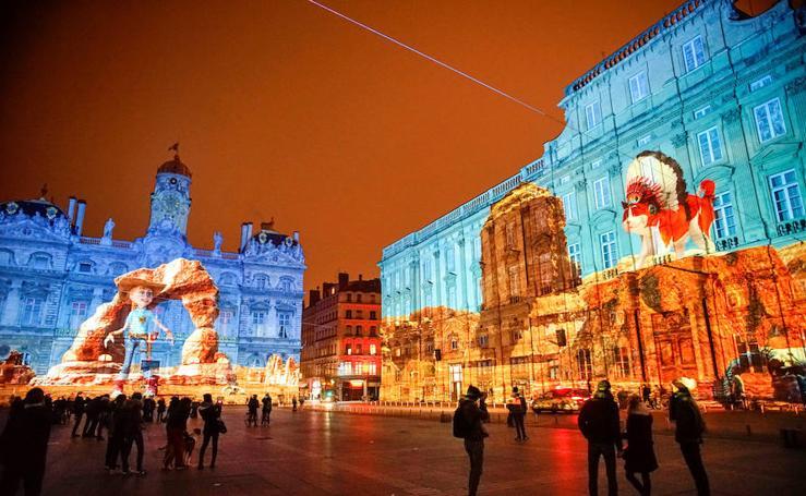 Lyon brilla con luz propia