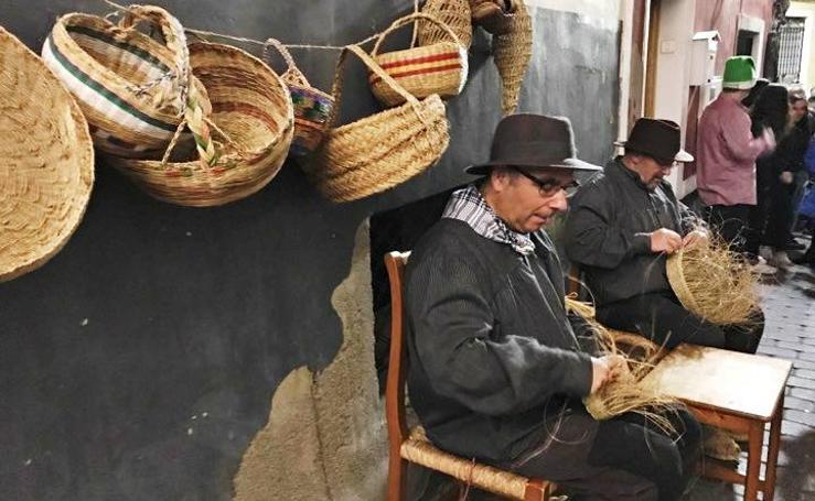 La tradición huertana inunda el belén viviente de Bullas
