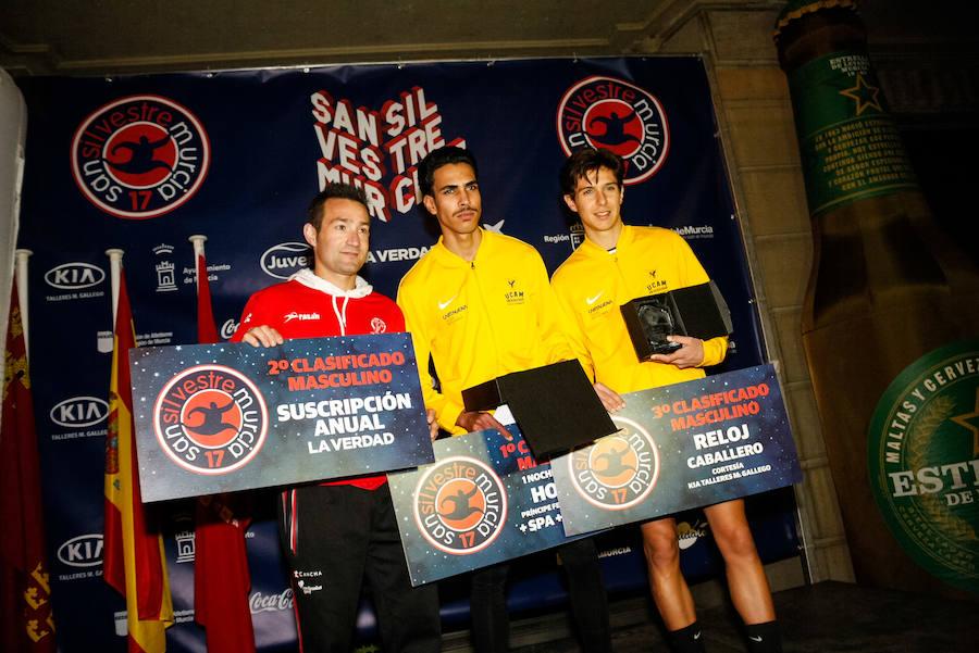 Entrada a meta y podios de la San Silvestre de Murcia