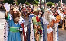 Los Reyes Magos se comprometen a traer paz y agua a los murcianos