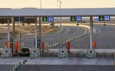 Fomento debe 'rescatar' el 1 de abril la autopista Cartagena-Vera y la circunvalación de Alicante