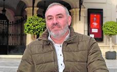 «Animo a los murcianos a integrarse en un bando; se pasa fenomenal»