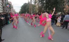 El frío no puede con el Carnaval de Cartagena